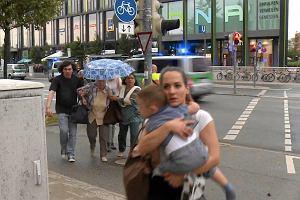 Przerażenie, chaos, panika. Tak wygląda Monachium po strzelaninie w centrum handlowym