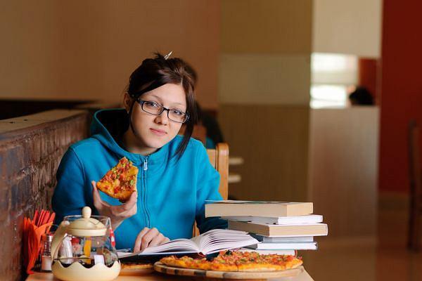 Studenci prowadz� nieregularny tryb �ycia - dowodz� badania