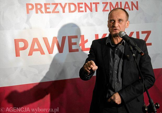 Pawe� Kukiz - muzyk, dzia�acz, radny i kandydat na prezydenta