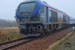 Ciężarówka wjechała pod lubelski pociąg. Trasa do Warszawy zablokowana