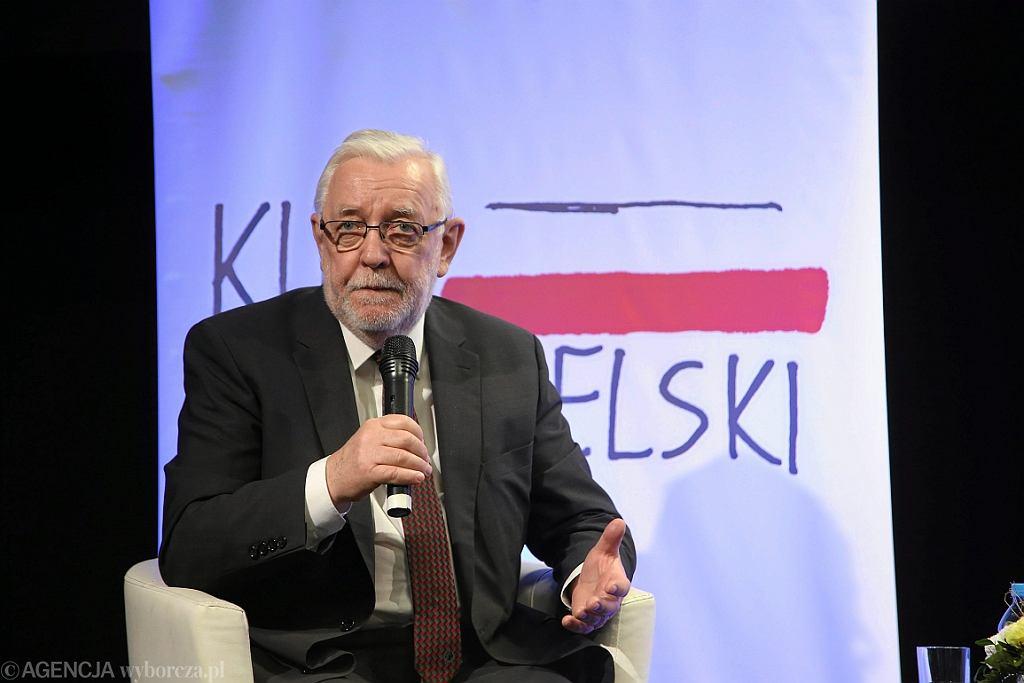 Sędzia Jerzy Stępień podczas spotkania w ramach Klubu Obywatelskiego (fot. Cezary Aszkiełowicz/AG)