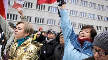 Katowice, demonstracja w odpowiedzi na szubienice narodowców dla europosłów PO