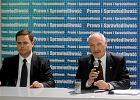 Macierewicz przegrywa procesy, a Hofman wciska ciemnotę