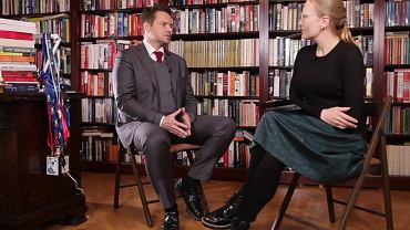 Rafał Trzaskowski podczas wywiadu z Aleksandrą Sobczak