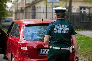 Pośrednicy Ubera chcą licencji. Czy to wystarczy, by kierowcy jeździli legalnie?