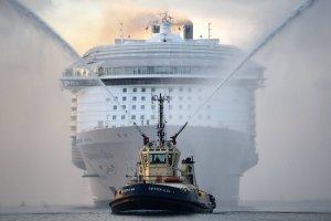 Nigdy nie było większego wycieczkowca - jest trzy razy dłuższy od Titanica. Zobaczcie luksusowego kolosa