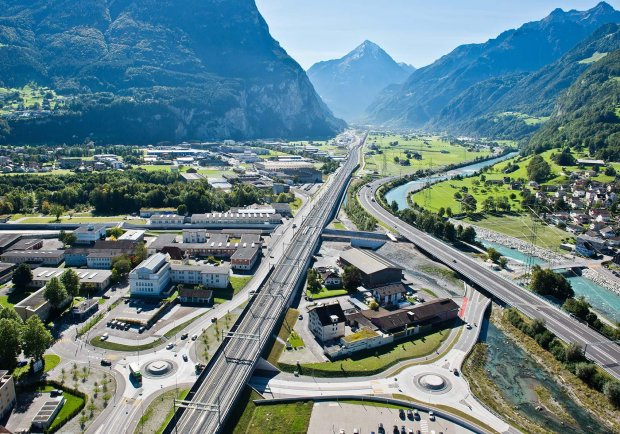 Najdłuższy kolejowy tunel świata, Szwajcaria