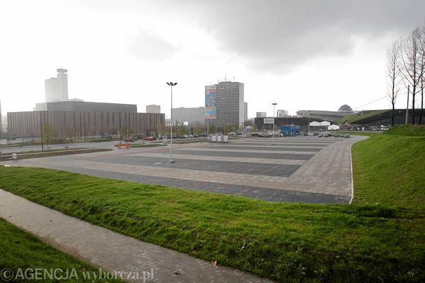 Wielki parking stoi pusty, uliczki w centrum s� zapchane. Mo�na to zmieni�?