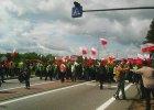 """Trwa protest. Rybacy blokuj� krajow� """"si�demk�"""""""