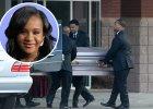 """Bobbi Kristina op�akiwana przez rodzin�. Pogrzeb c�rki Whitney Houston zako�czy� si� skandalem. """"Ona ba�a si�, �e sko�czy jak w�asna matka"""""""