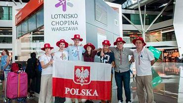 Młodzi Polacy, którzy brali udział w olimpiadzie z astronomii i astrofizyki w Indonezji