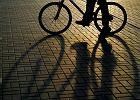 Absurd w Niemczech: jednor�ki rowerzysta ukarany, bo przepisy wymagaj� obs�ugi d�wigni dw�ch hamulc�w