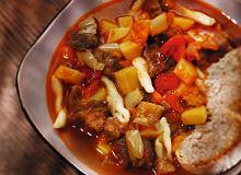 Węgierska zupa gulaszowa - ugotuj