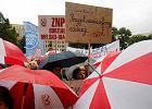 ZNP zaczyna zbiórkę podpisów w strawie szkolnego referendum. A nauczyciele planują strajk