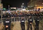 """Śląscy policjanci nie chcą jeździć na miesięcznice. """"Czuliśmy się tam jak zomowcy"""""""