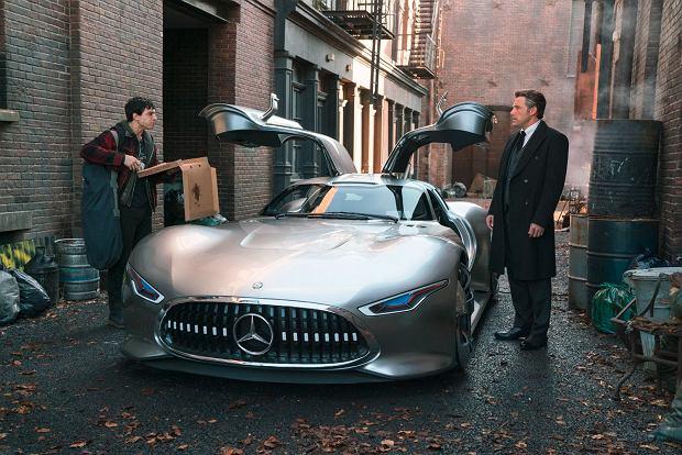 Batman ma nowe auto. Superbohater wybrał Mercedesa. I to jakiego!