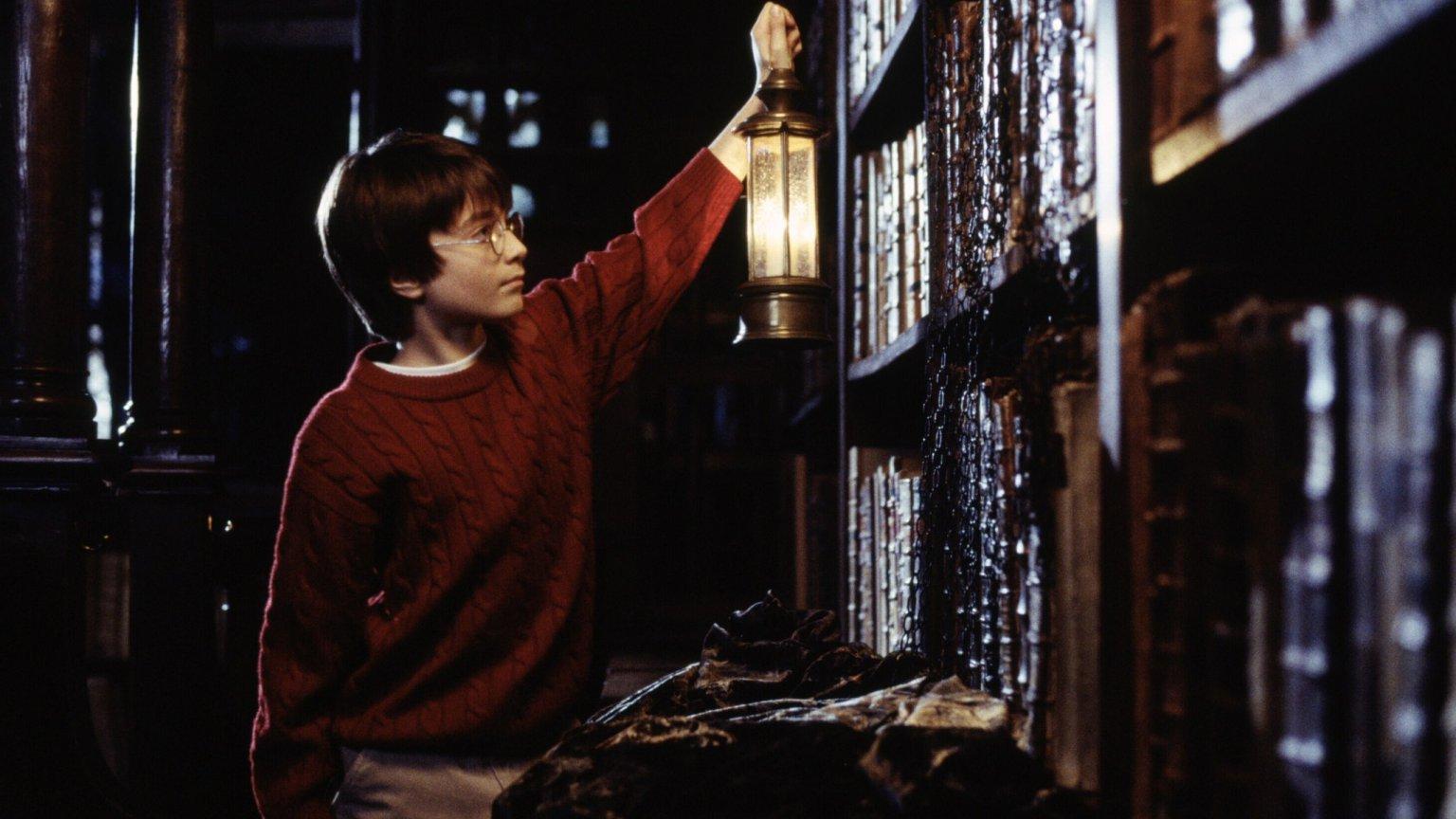 Harry Potter w Dziale Ksiąg Zakazanych. Historia małego czarodzieja od dawna wzbudza emocje