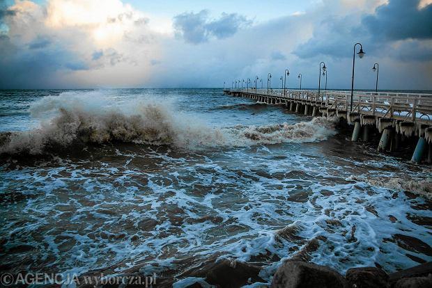 Uwaga! Silny wiatr na Pomorzu, a na Bałtyku sztorm