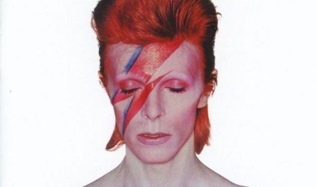 """David Bowie miał zagrać jedną z głównych ról w trylogii """"Władca pierścieni"""". Przygotowana była dla niego postać czarodzieja Gandalfa!"""
