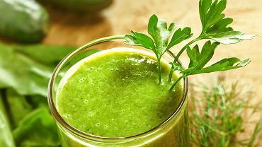 Zielone koktajle zawdzięczają swój kolor zazwyczaj zielonolistnym warzywom