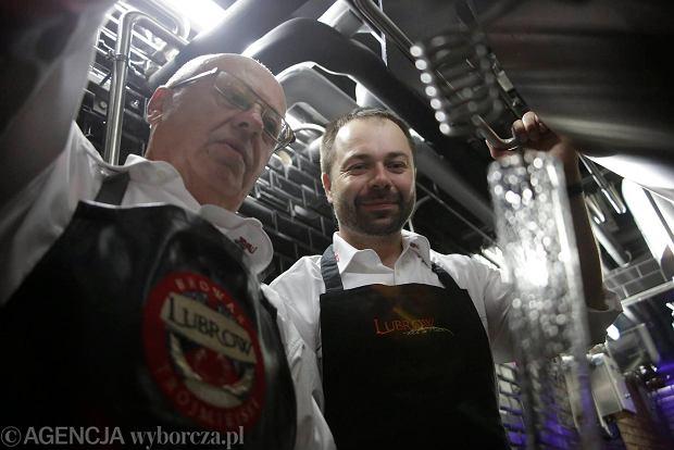 21.06.2013 Gdansk , piwowarzy browaru  Lubrow w restauracji Barbados ,  fot. Rafal Malko/Agencja Gazeta