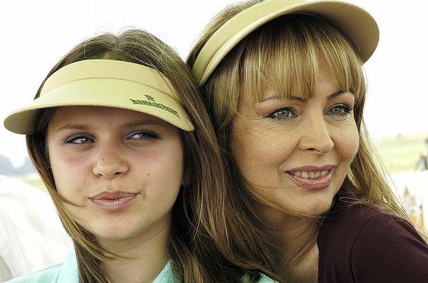 """Izabela Trojanowska razem z córką, Roxanną, udzieliły wspólnie wywiadu dla dwutygodnika """"Gala"""". Opowiadają w niej o swoich relacjach i życiu na odległość."""