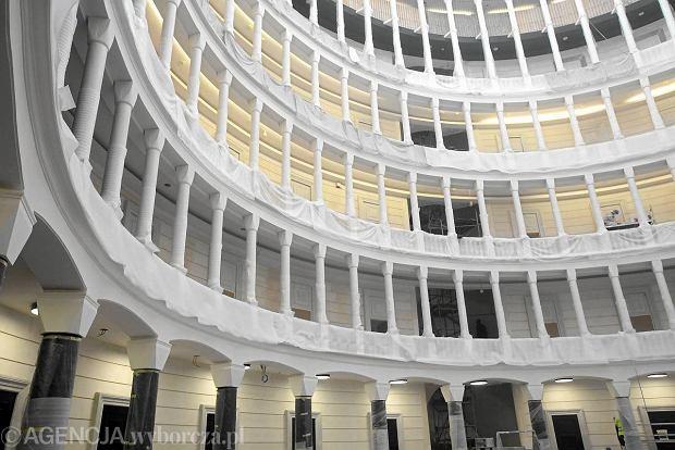 Zdj cie nr 24 w galerii siedziba bieruta zamieni a si w for Ufficio primo warszawa