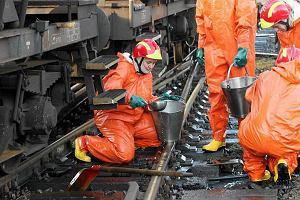 Ko�o Olsztyna zderzy�y si� dwie cysterny. Wyciek�o 60 ton ropy