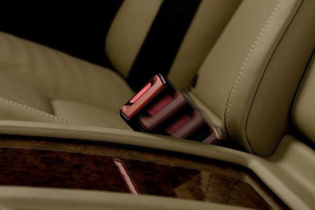 Mercedes ulepsza pasy bezpiecze�stwa?