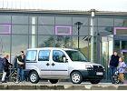 FIAT Doblo 01-04, rok produkcji 2001, kombi, widok przedni prawy, samoch�d 5-drzwiowy, kolor silver grey
