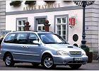 KIA Carnival 01-06, rok produkcji 2001, kombi, widok przedni prawy, samoch�d 5-drzwiowy, kolor silver grey