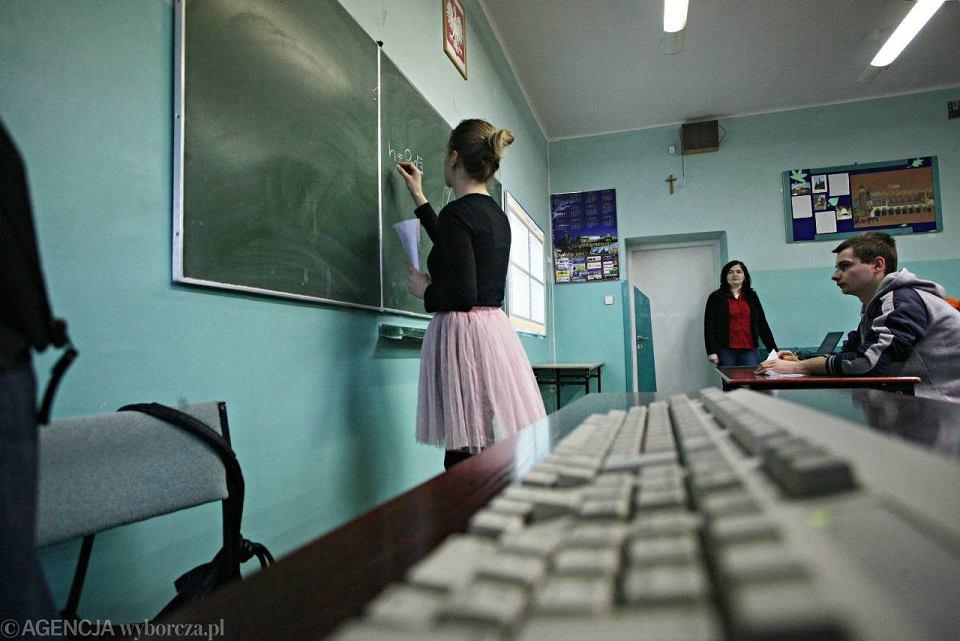 Pomorzu reforma edukacji dotknęła ponad 2,5 tys. nauczycieli. 266 zostało zwolnionych, z 294 nie przedłużono umów na czas określony, 192 przeszło na emerytury, a 14 przeniesiono w stan nieczynny