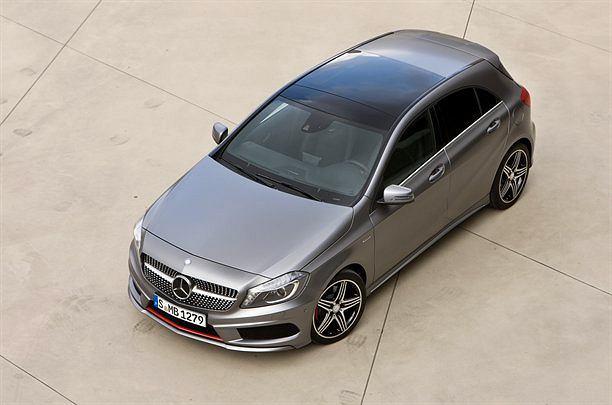 Mercedes A z L na dachu