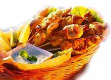 Szaszłyki z kurczaka z sosem ziołowym - ugotuj