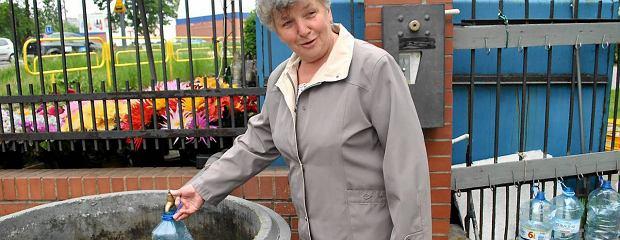 Małgorzata Gryc nie podoba się pomysł z automatem na cmentarzu. Wydaje 15 zł miesięcznie na wodę. - To dla mnie dużo - mówi