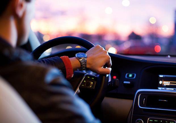 Savoir vivre: niebezpieczny kierowca
