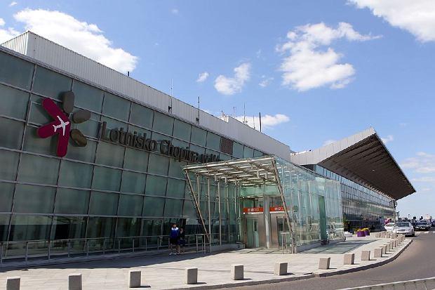 Samolot linii Aerosvit zn�w zaaresztowany na Ok�ciu