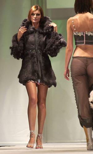 Modelki na pokazie kolekcji Ewy Minge