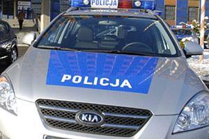 Radiow�z przejecha� m�czyzn�. 27-latek le�a� na drodze