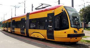 http://bi.gazeta.pl/im/1/7460/z7460021M,Tramwaj-Pesy-dla-Warszawy.jpg