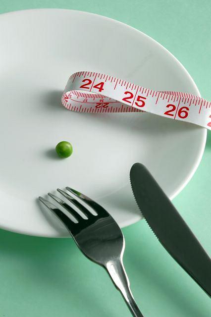 Na anoreksj� mo�na zachorowa� w ka�dym wieku.