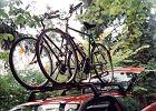 Jak przewieźć rower samochodem? Sposobów jest kilka, ale pamiętajmy o przepisach