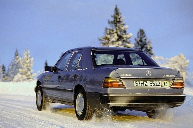 25 lat napędu 4Matic - Mercedes W124