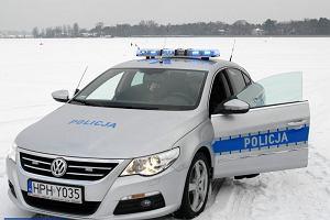 Policja oszczędzi na nowych radiowozach
