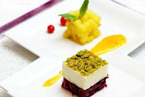 Zapiekany ser halloumi z pistacjowym krastem
