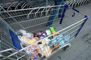 Za godzinę pracy w Polsce zrobimy tylko podstawowe zakupy. Ledwo wystarczy na chleb, mleko, ser, wędlinę i jajka