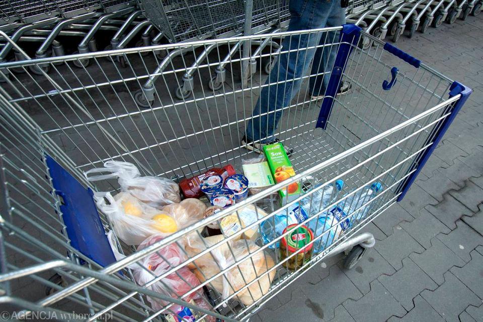 Gdzie najcz�ciej robimy zakupy? Wygodne sklepy podbijaj� miasta