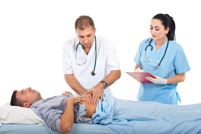 Palpacyjne badanie brzucha zazwyczaj pozwala gastrologowi postawić wstępną diagnozę