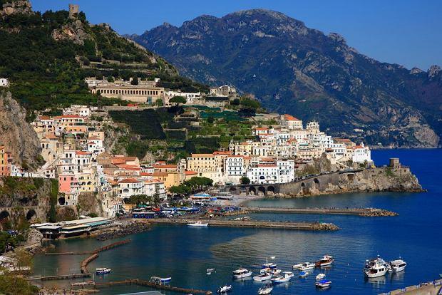 http://bi.gazeta.pl/im/1/9553/z9553671Q,Amalfi--Wlochy.jpg