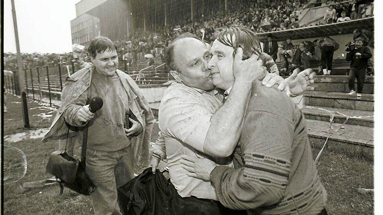 Józef Łobocki i Bogusław Kaczmarek po awansie do ekstraklasy w 1994 r.